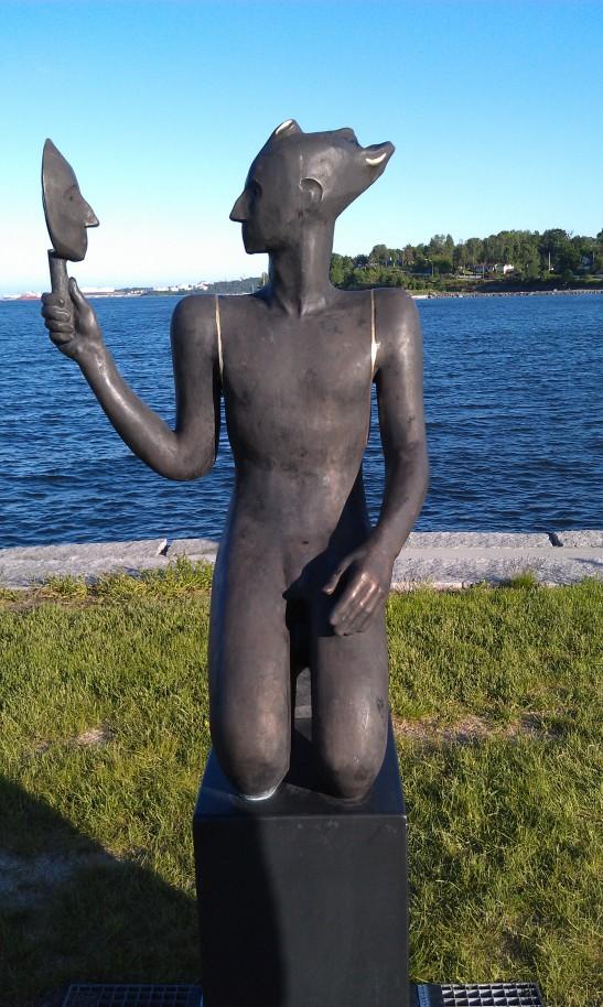 kropp i perspektiv; hentet fra utstilling i Åsgårdstrand 2013d