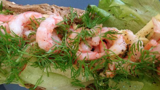 Rekebagett med sunn salat